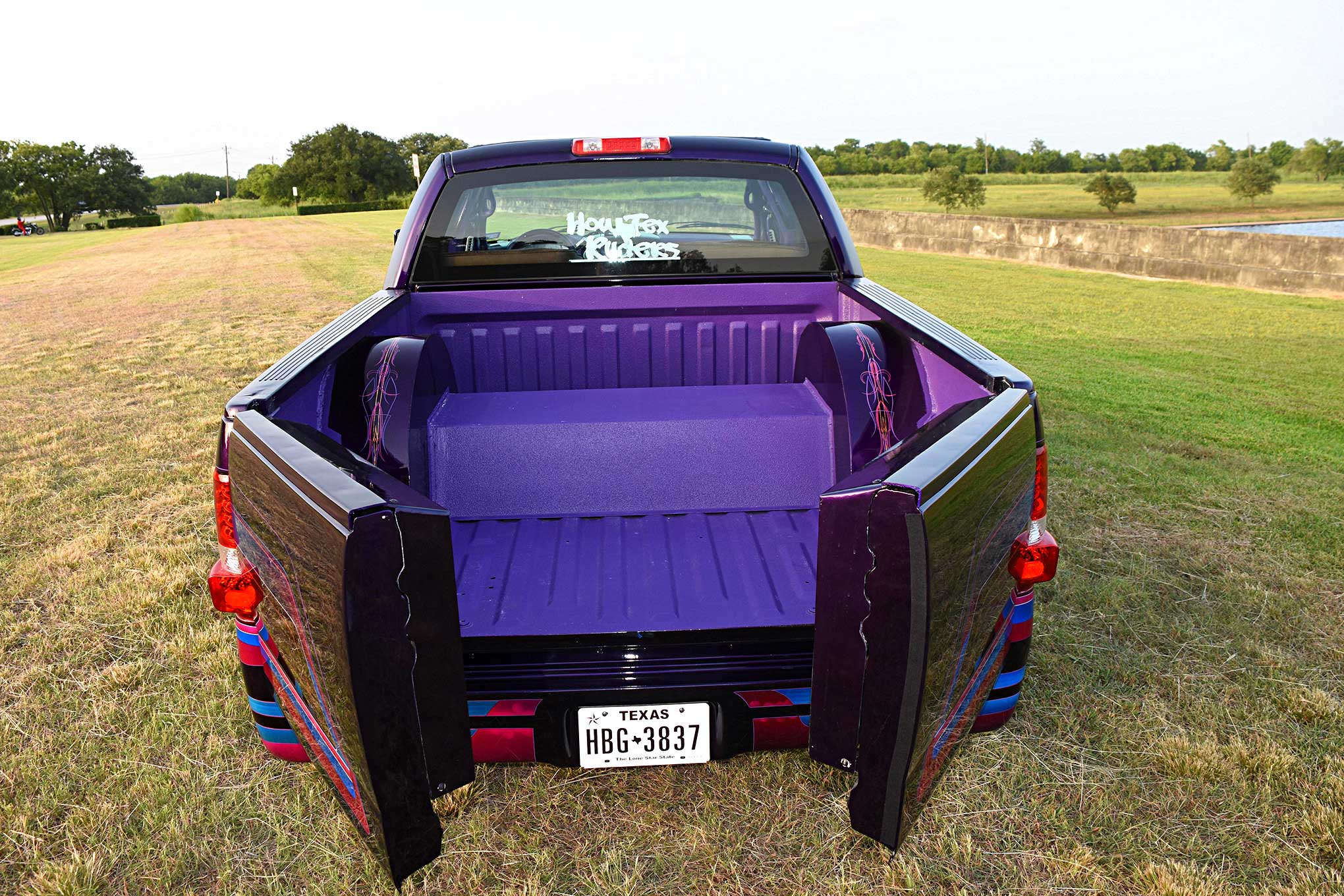 Custom Ford F150 2019 2020 New Car Price And Reviews 2004 F 150 2006 Split Tailgate Lowrider