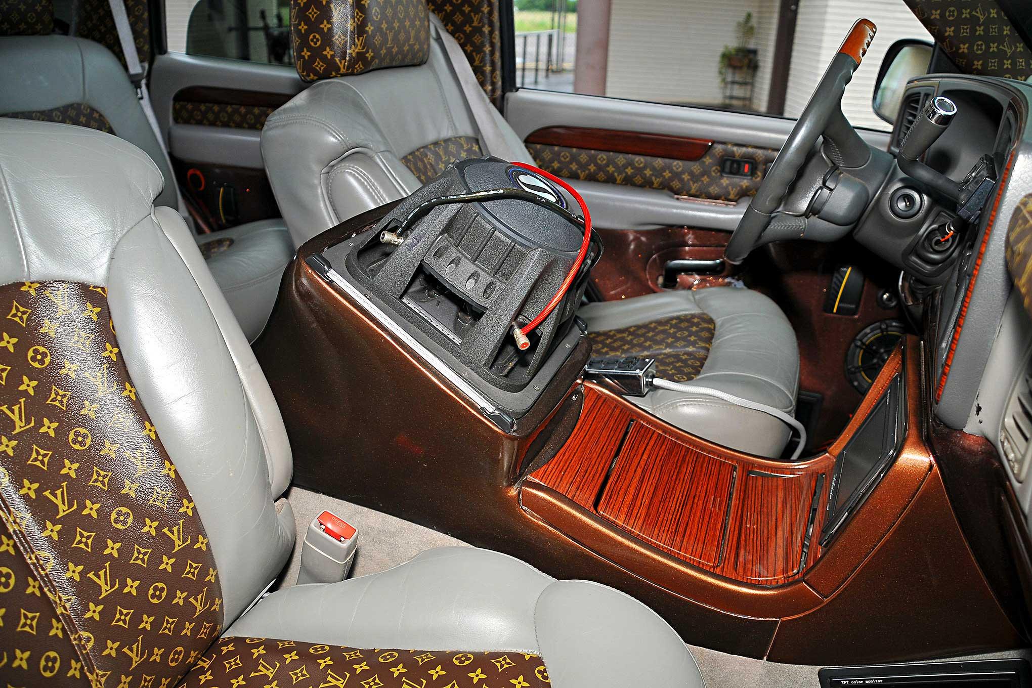 2002 Cadillac Escalade Custom Center Console Lowrider
