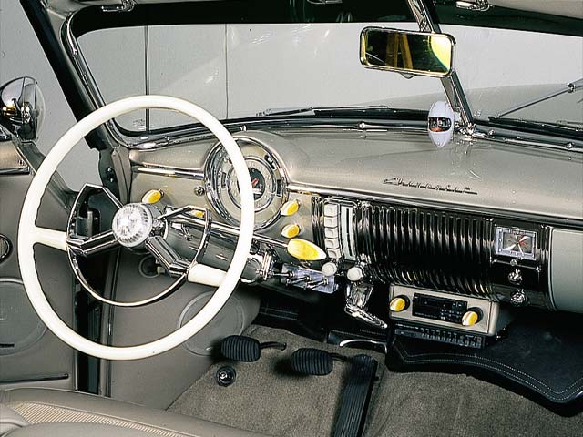 Zoom Chevrolet Deluxe Dashboard View