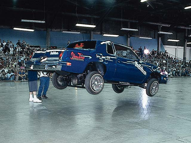 Street dancer Leonardo jumps to 24 points with his blue '81 Cutlass.