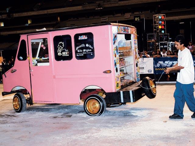 Z Ice Cream Truck Rear Side View