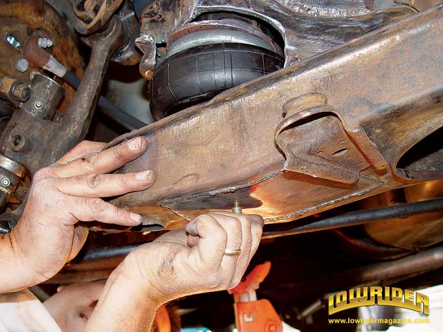 Affordable Air Bag Suspension Installation Tech