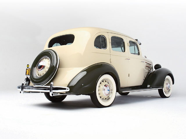 1935 Chevrolet Master Deluxe Bad Situation - Lowrider Magazine