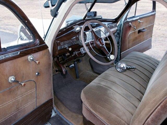1947 Chevrolet Fleetmaster - Eli Martinez - Lowrider Magazine