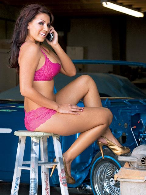 2 hot sexy latinas in lesbian action fammlyinccom - 3 2