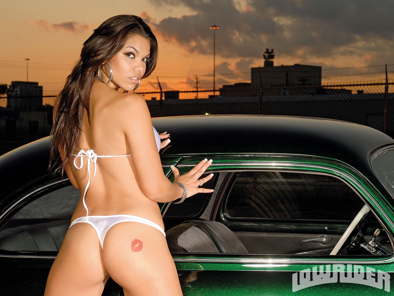 Lowrider girls ass — photo 14
