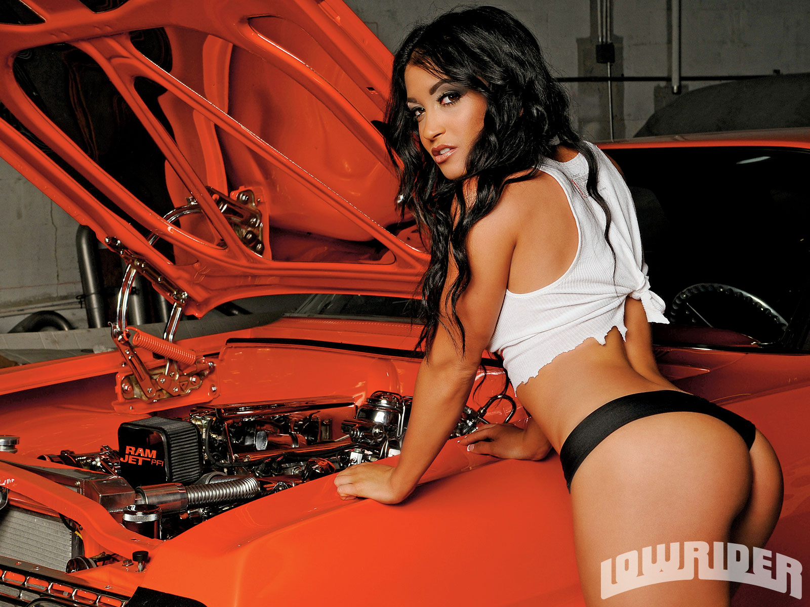 lowrider girls are nude and with big as