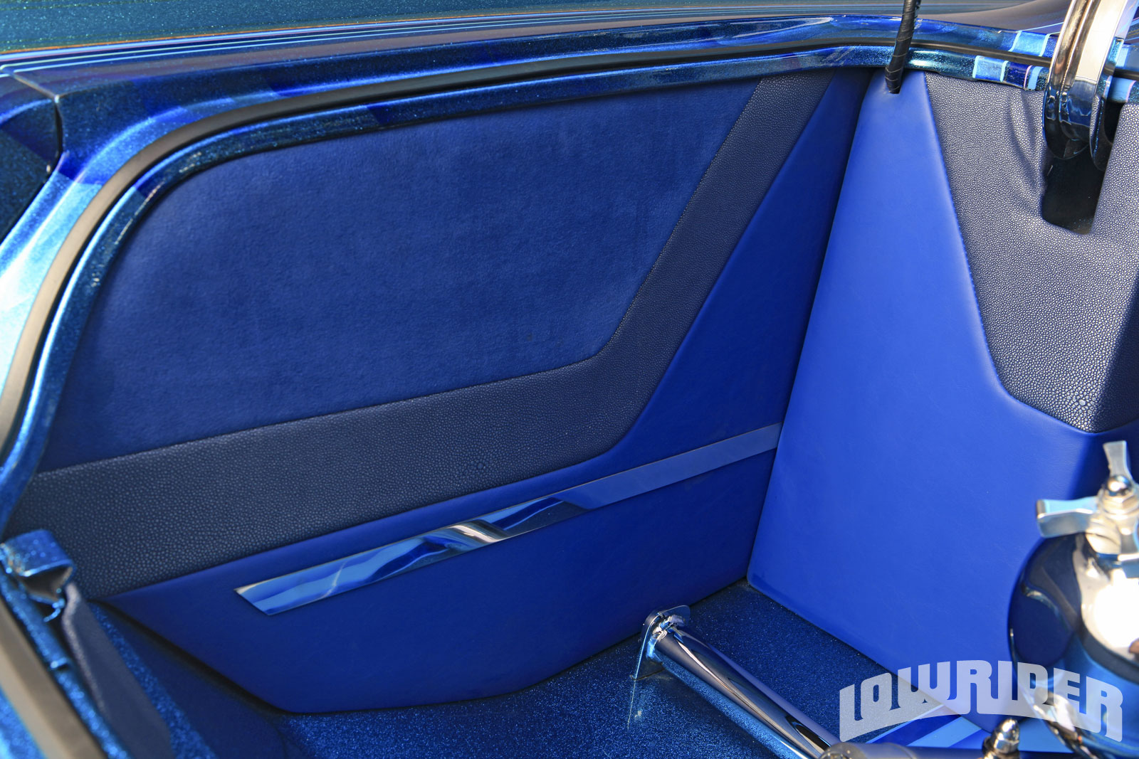 Chevrolet Impala Gas Tank together with Lrmp O Chevrolet Impala Impala Rear Left Side View as well Lrmp O Chevrolet Impala besides Chevrolet Impala Driver Side View also Lrmp Z Chevrolet Impala Convertible Steering Wheel. on 1961 impala lowrider magazine