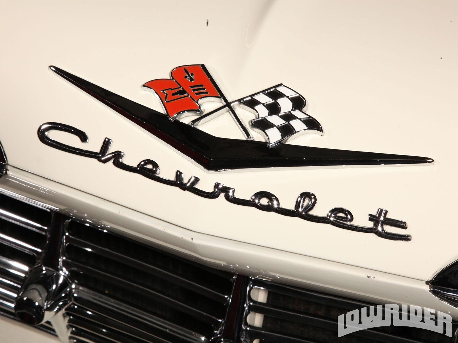 Lrmp O Chevy Impala Chevrolet Emblem on 1964 Buick Riviera Interior