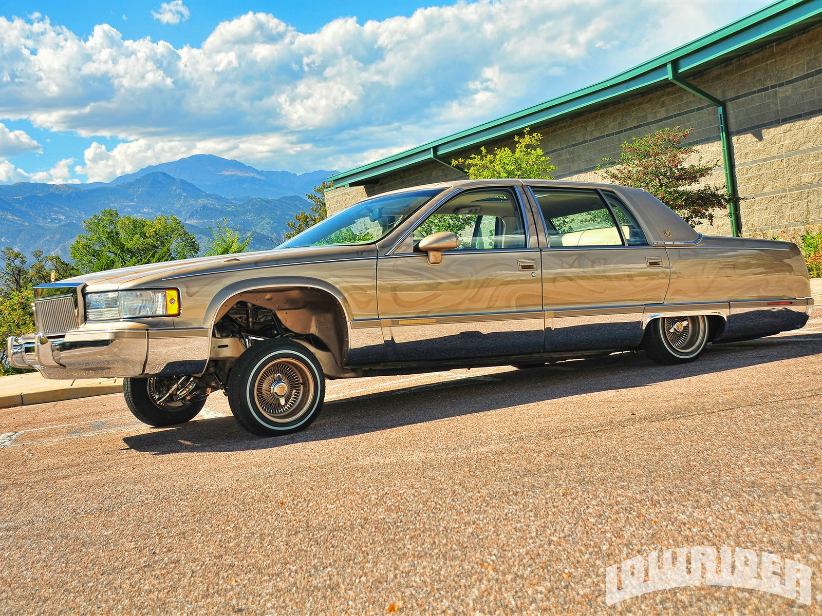 1993-cadillac-fleetwood-left-side-view - Lowrider