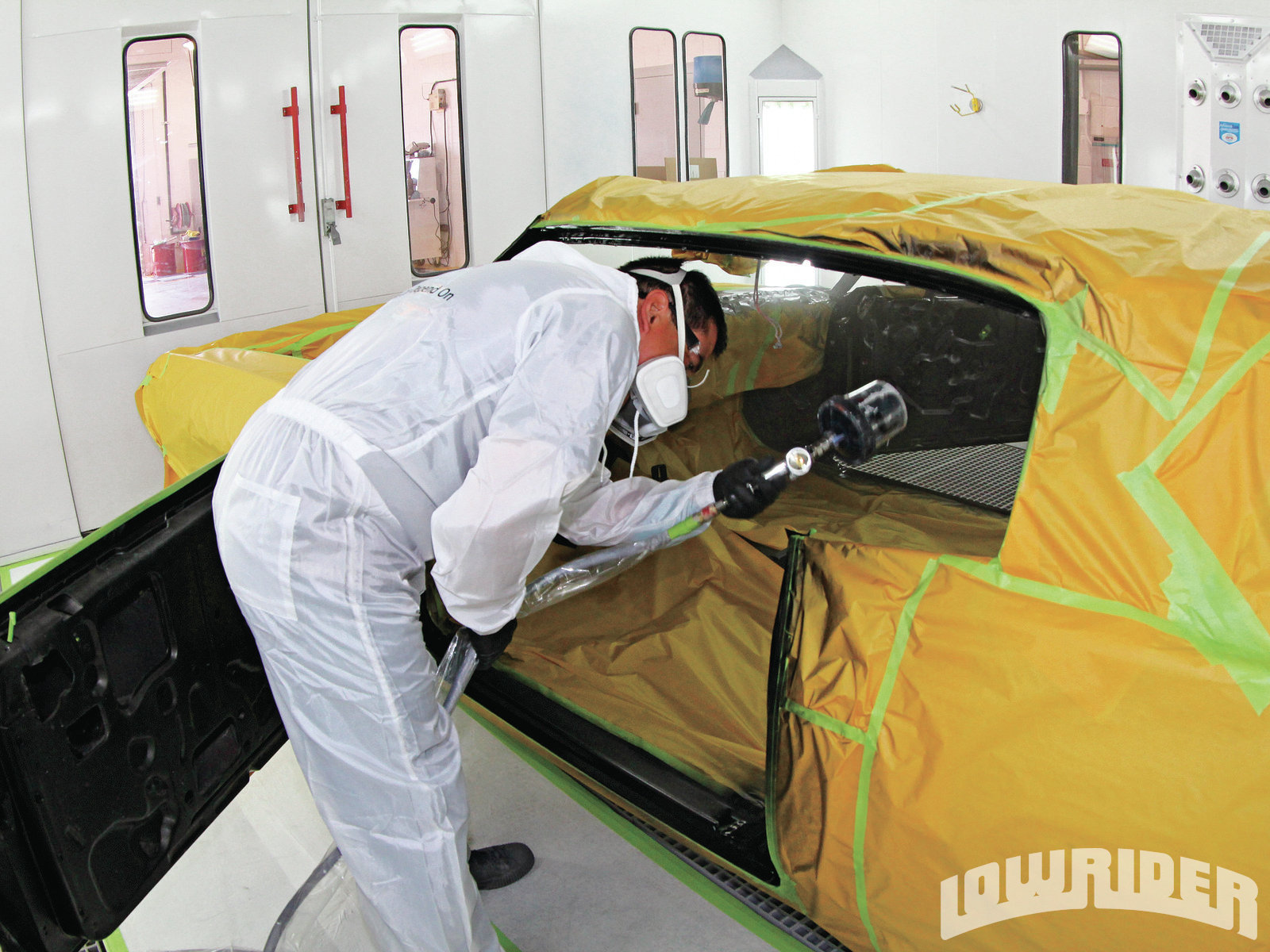 <strong>10</strong>. Every section of the car was sprayed and completed as it was coated with the base.