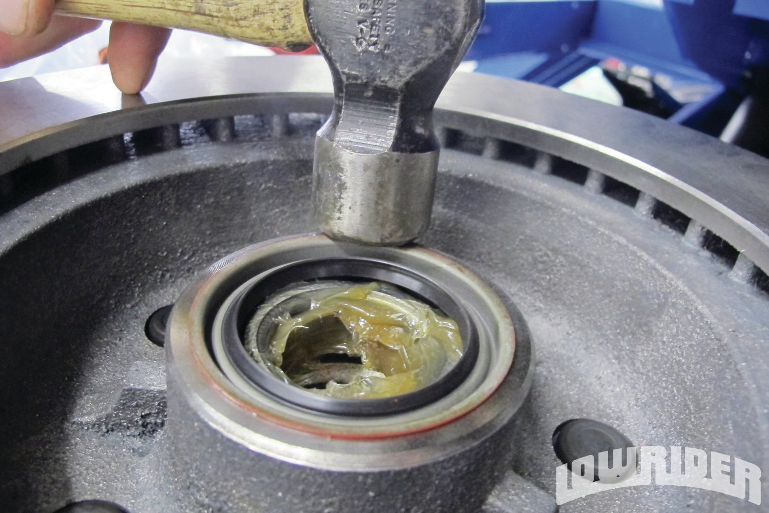 <strong>15</strong>. The bearing dust caps were installed.