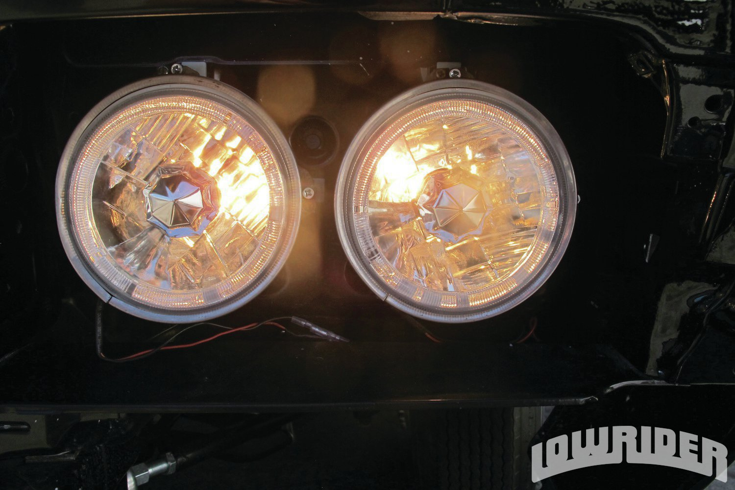 <strong>13</strong>. The white LED angel eye halo halogen lights looked good when they were connected to our Kinetik battery.
