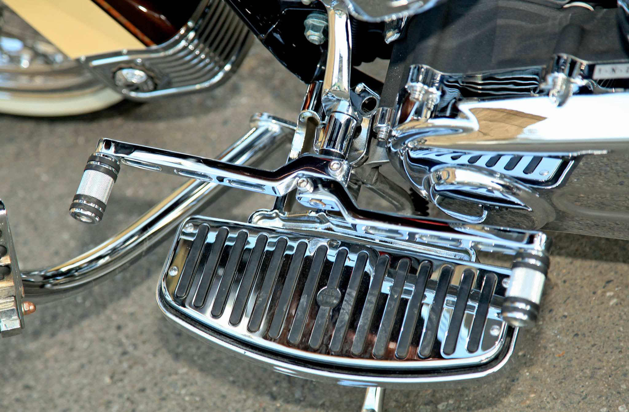 2005 Harley Davidson Softail Hoggin Up All Lanes