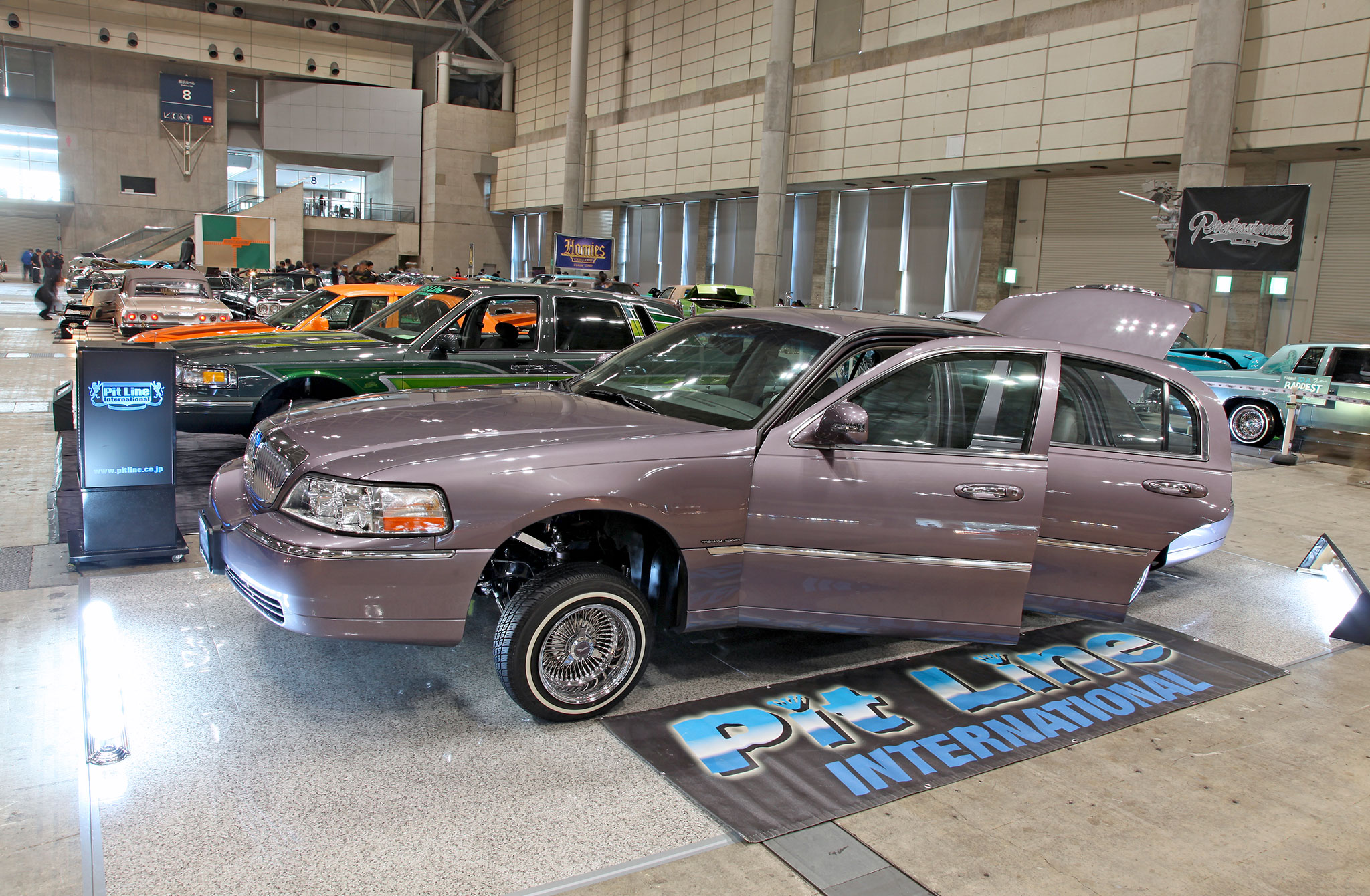 Japan Lowrider Tour Car Lincoln Town Cars 18 Lowrider