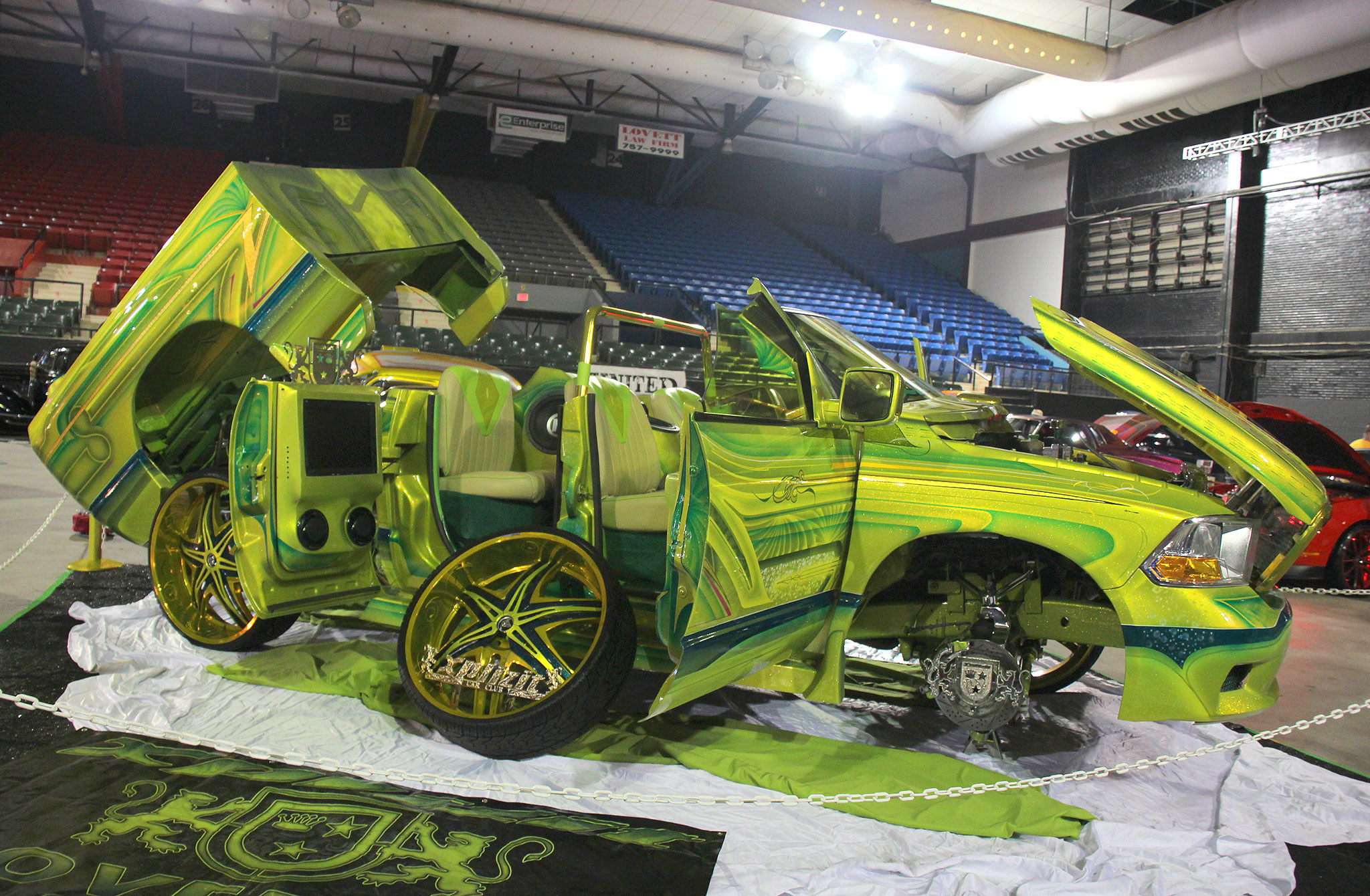 Lone Star Dodge >> El Paso Texas Lowrider Show - The Tour Stops Here
