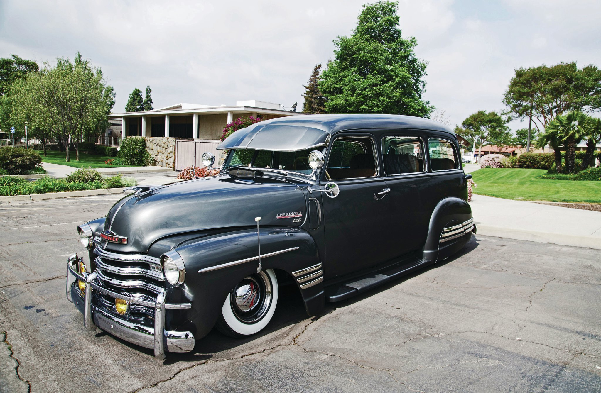 1948 Chevrolet Suburban - Bomb Threat