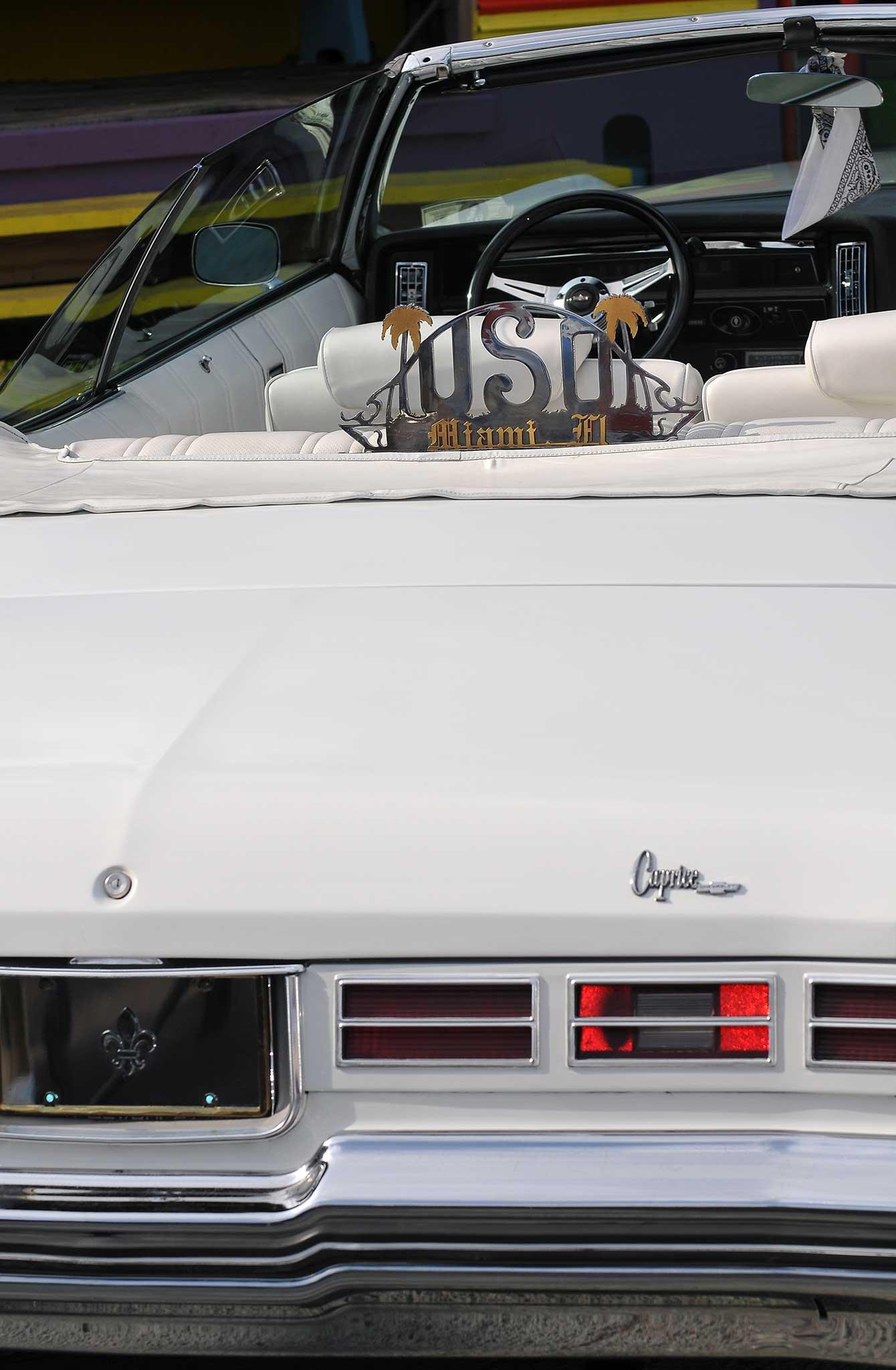 1975-chevrolet-caprice-classic-taillight - Lowrider
