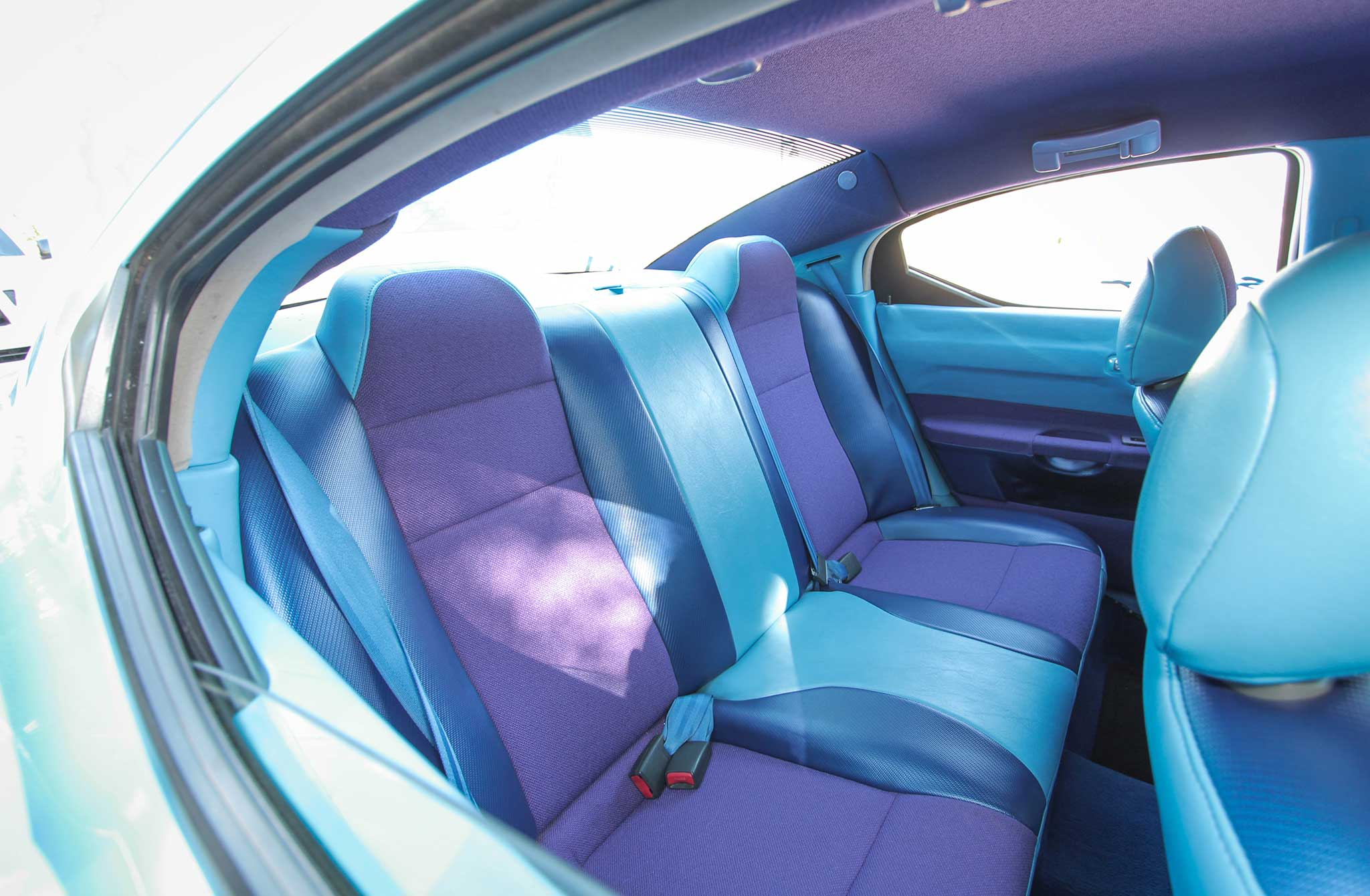 2006 Dodge Charger Back Seats 005 Lowrider