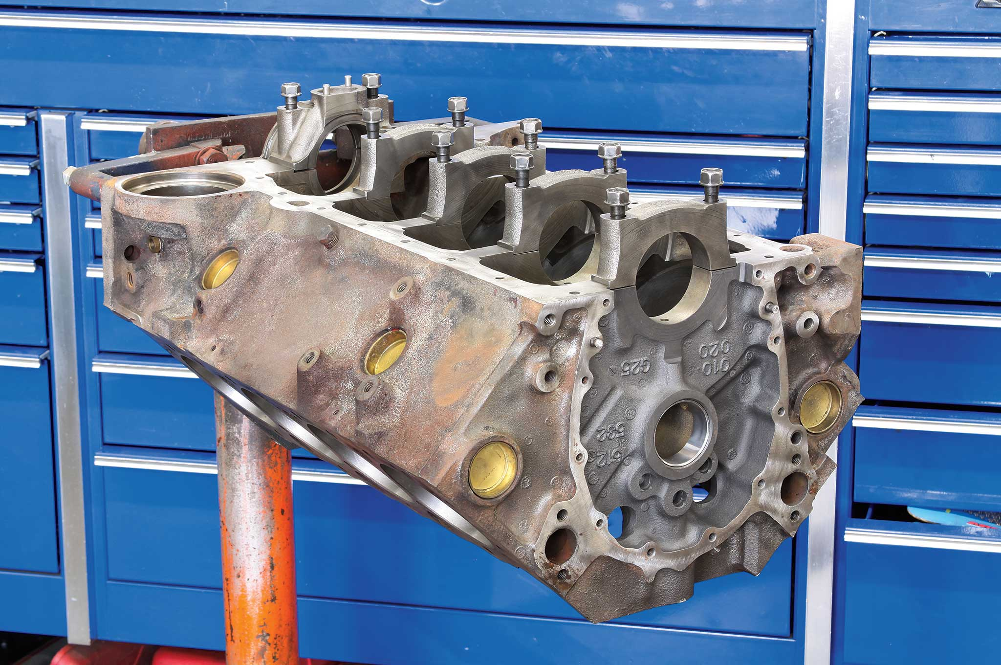 rebuilding-a-small-block-on-a-budget-engine-block-core