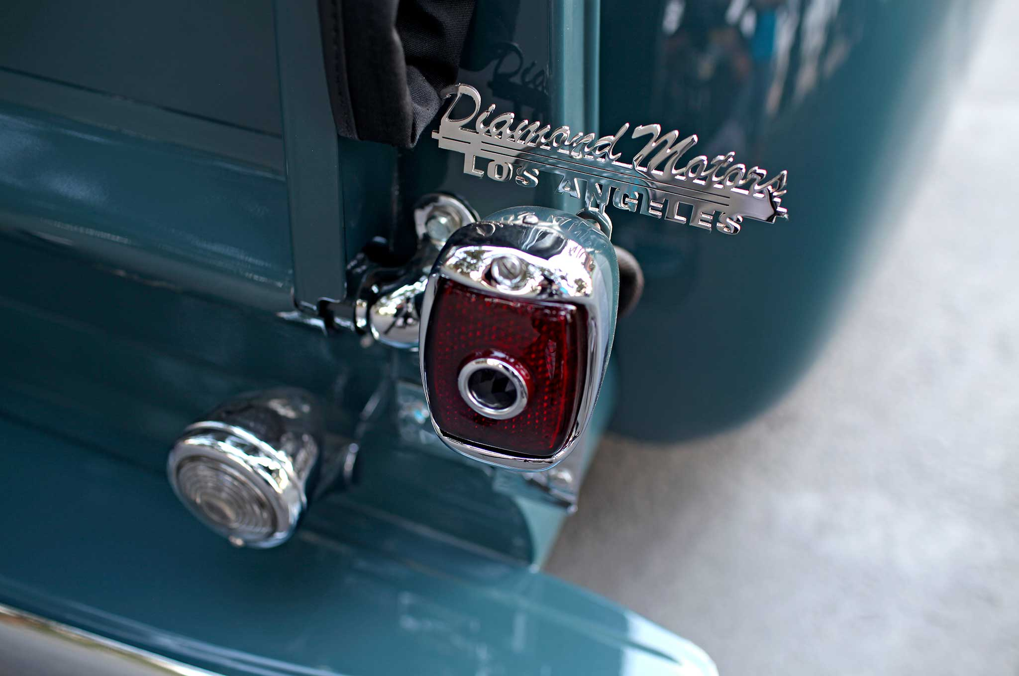 1949-chevrolet-pickup-taillight