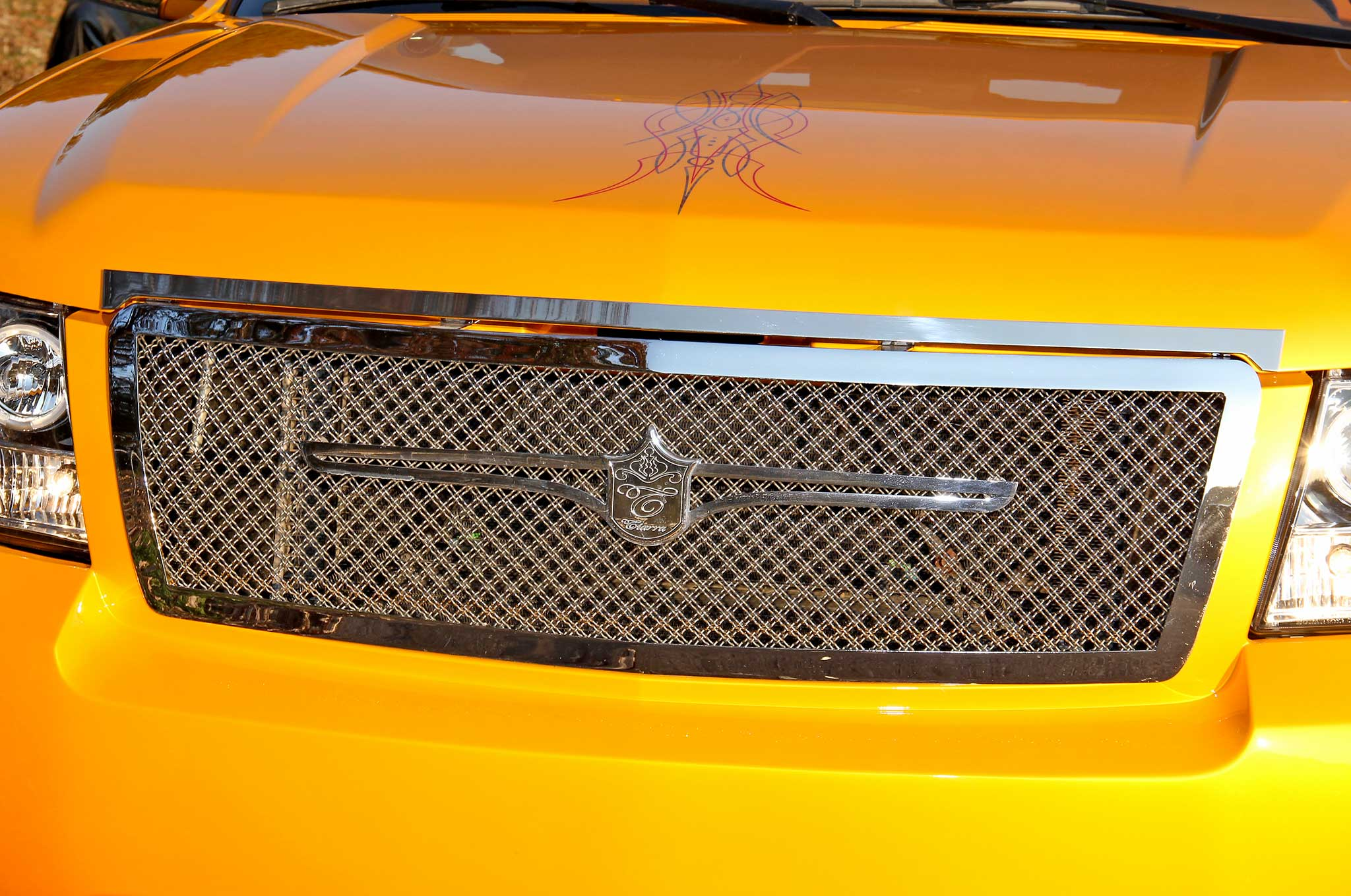2007-chevrolet-avalanche-front-grill