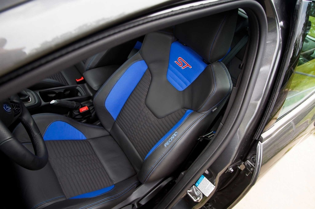2015-ford-focus-driver-seat