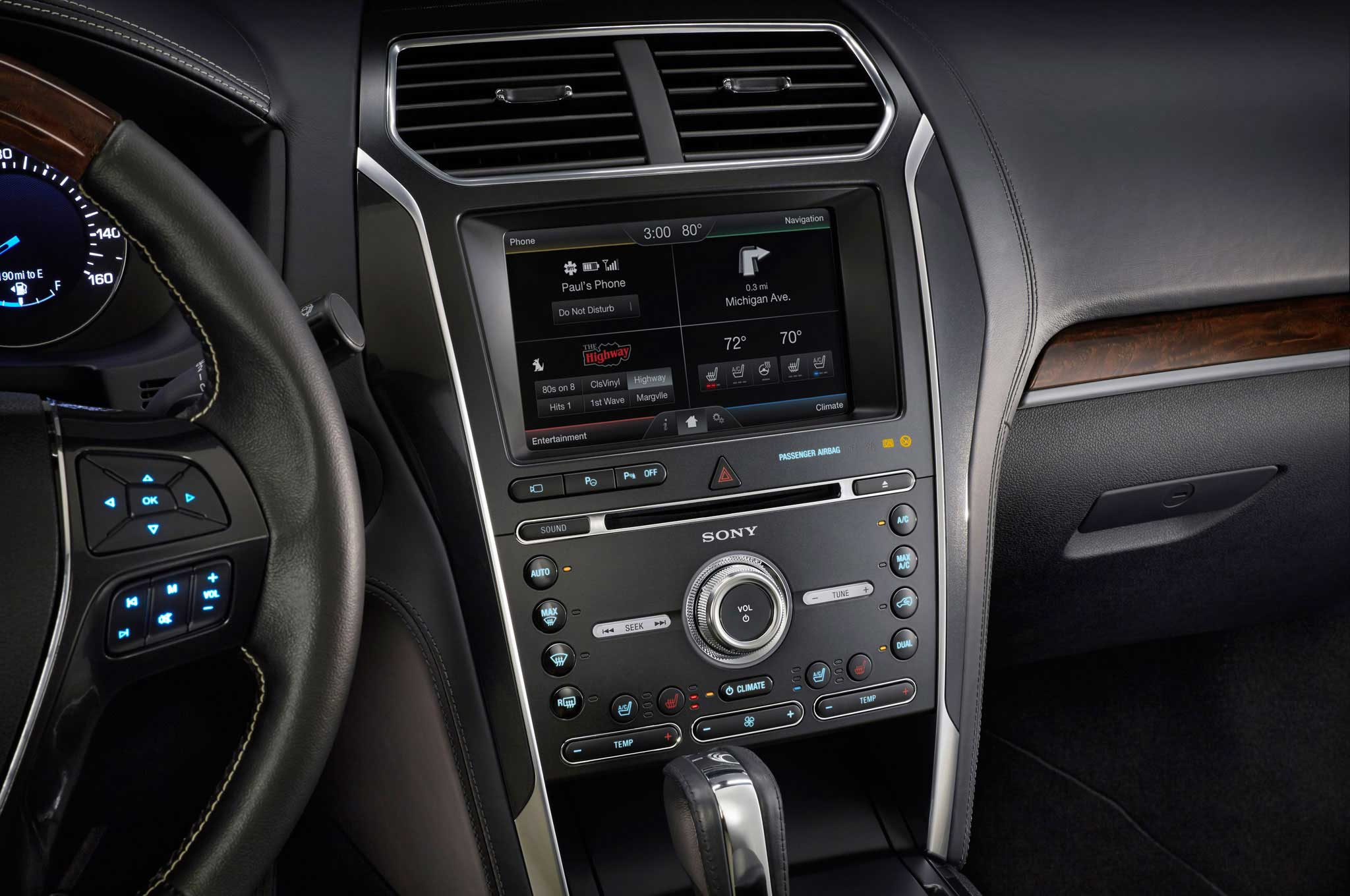 2016-ford-explorer-center-console