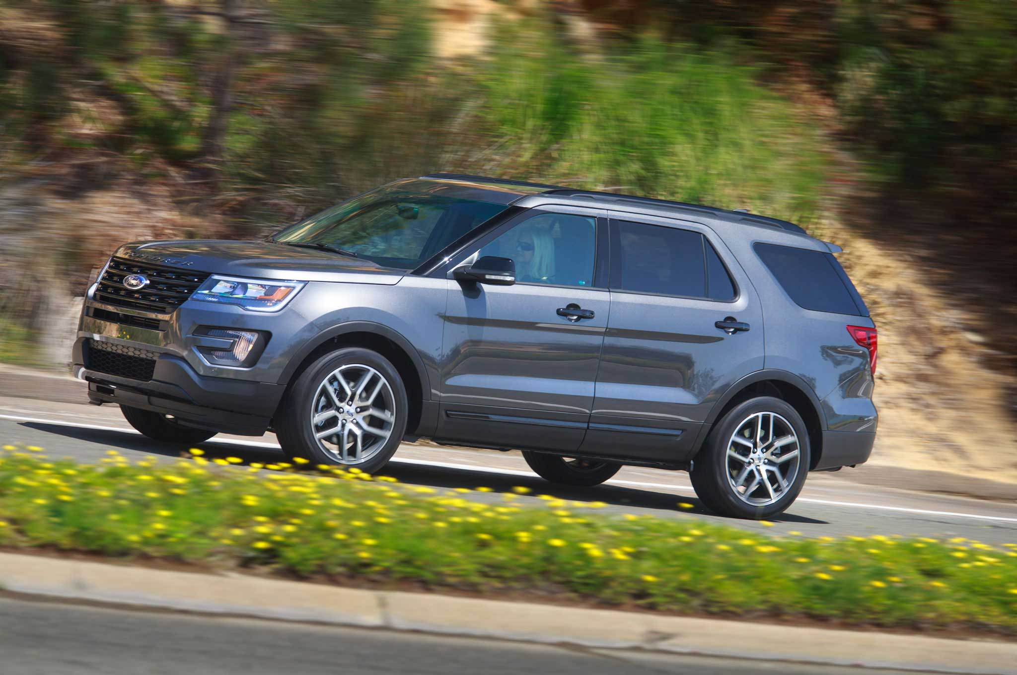 2016 Ford Explorer Driver Side View