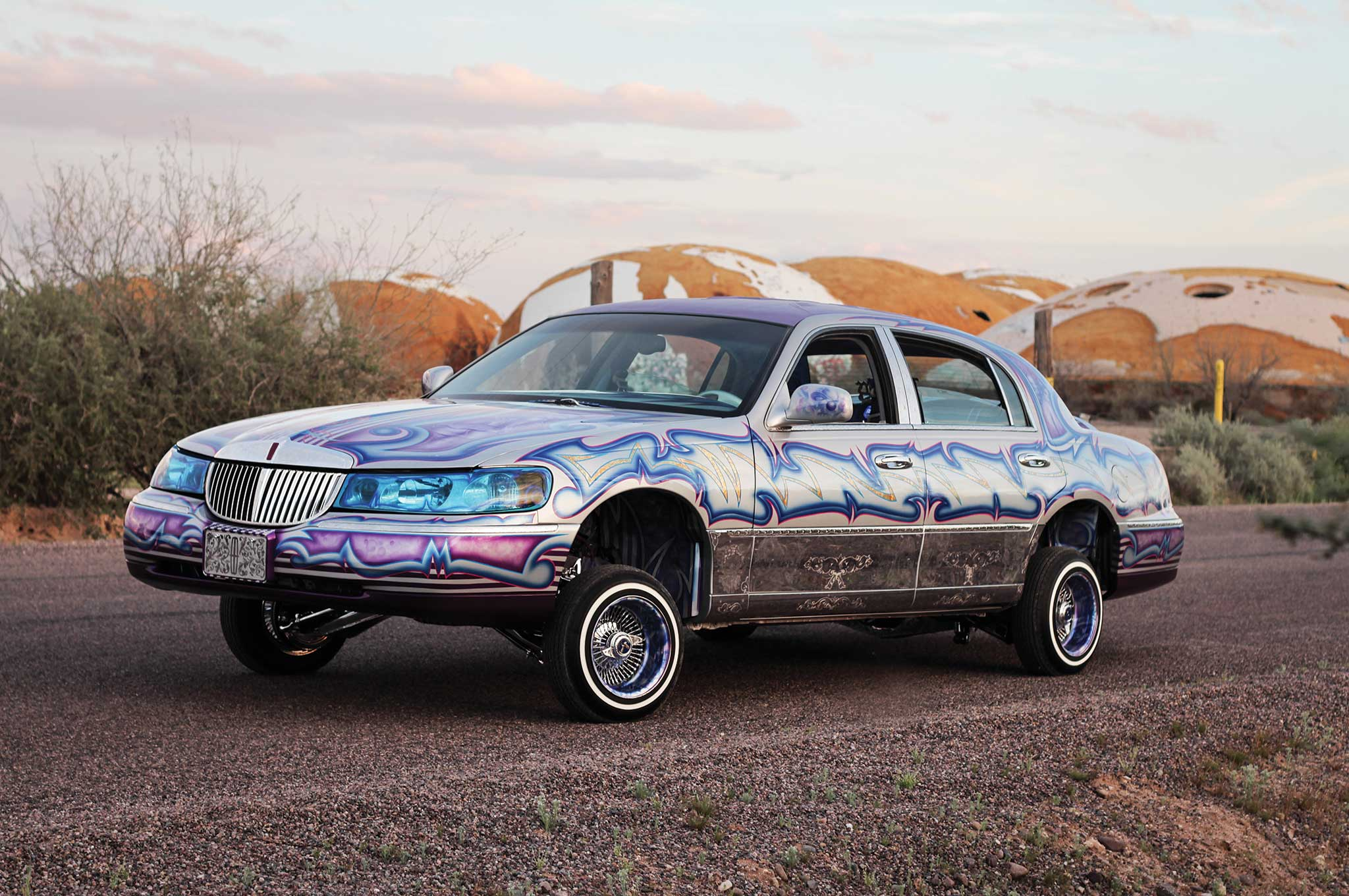 1999 Lincoln Town Car Lowrider 2048x1360