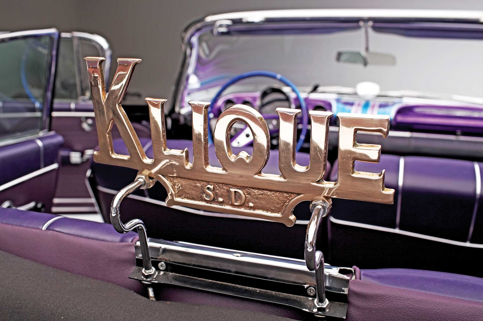 008 1959 chevrolet impala convertible klique club plaque