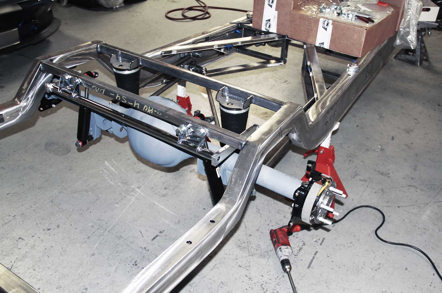 012 assembling a tci truck frame currie 9 rear end