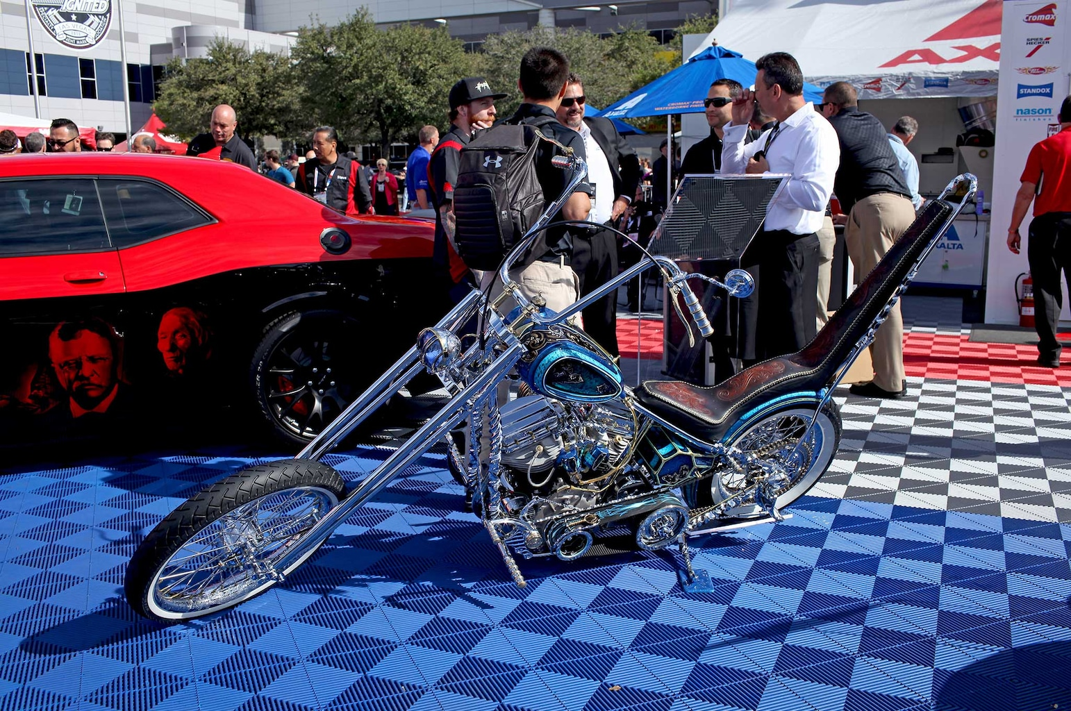 021 lowriders at sema 2015 phillipe coquard 1954 harley panhead