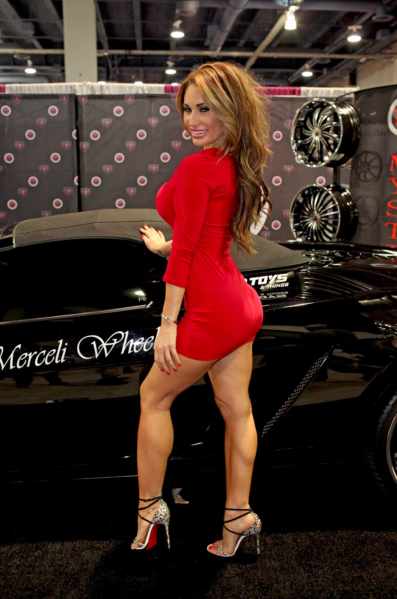 2015 sema girls ericka kenny 011