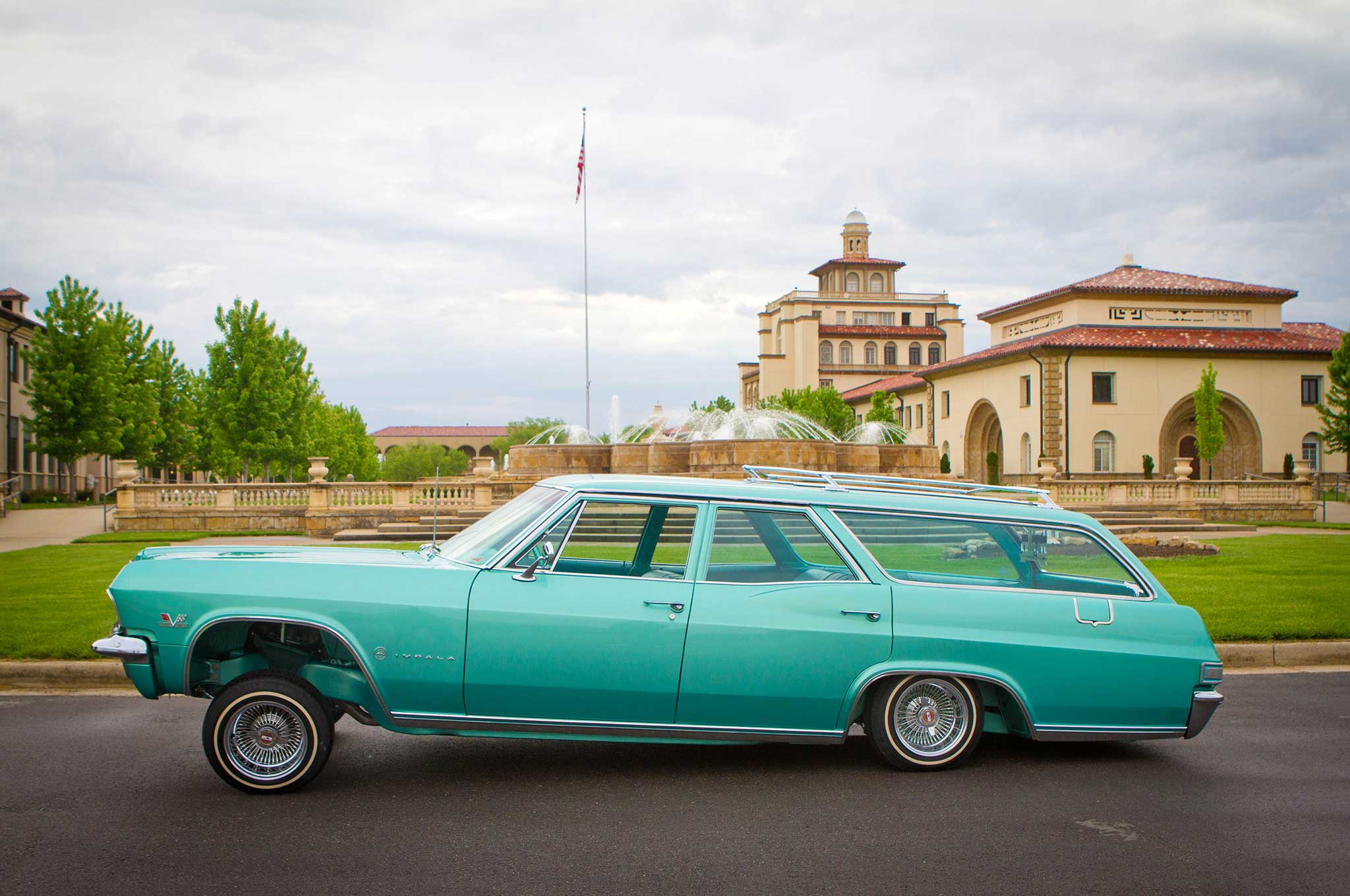 1965 Chevrolet Impala Wagon - Outside the Box - Lowrider