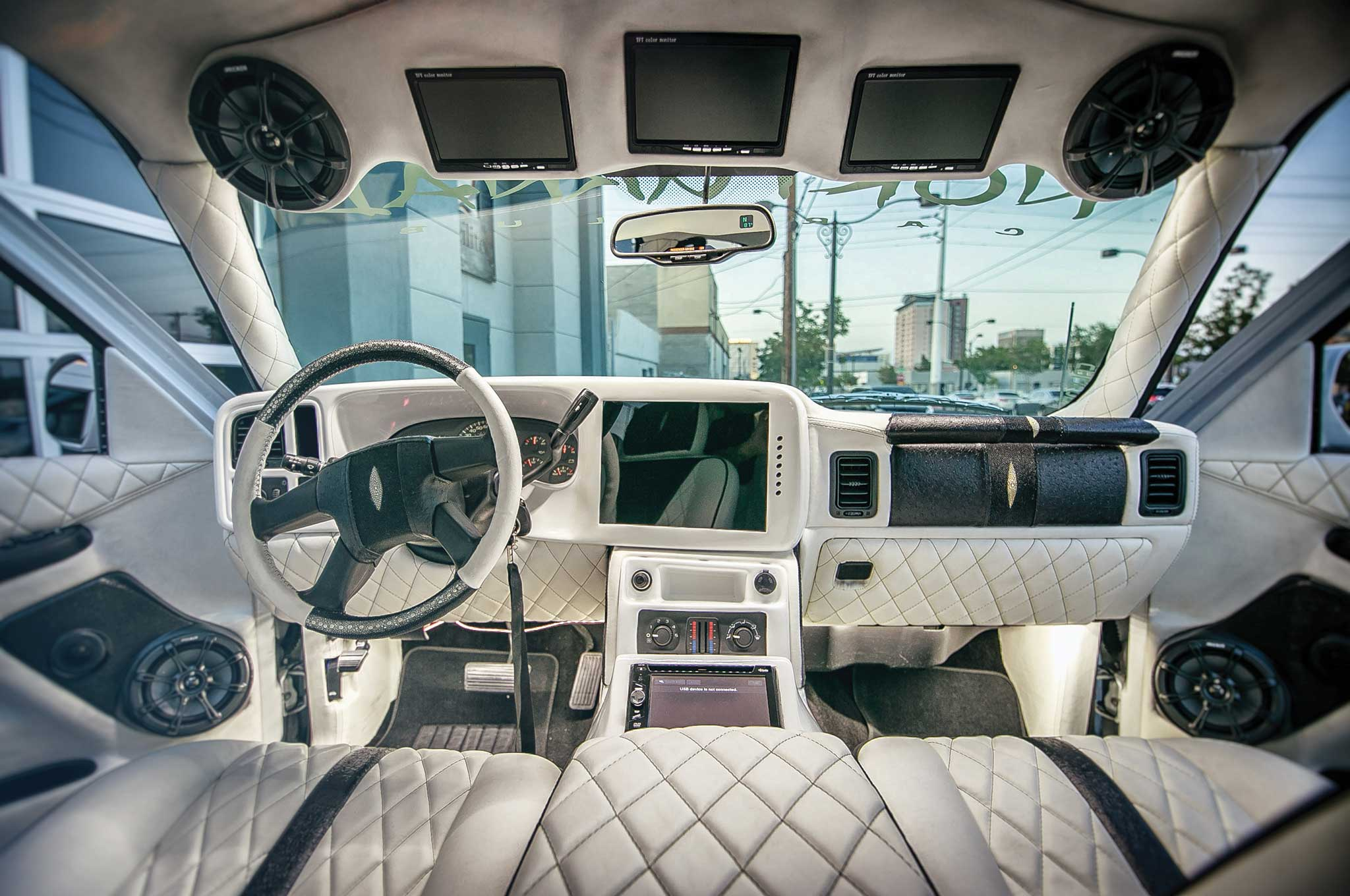 Chevrolet Tahoe Diamond Pattern Stitched Interior on 2018 Chevy Tahoe