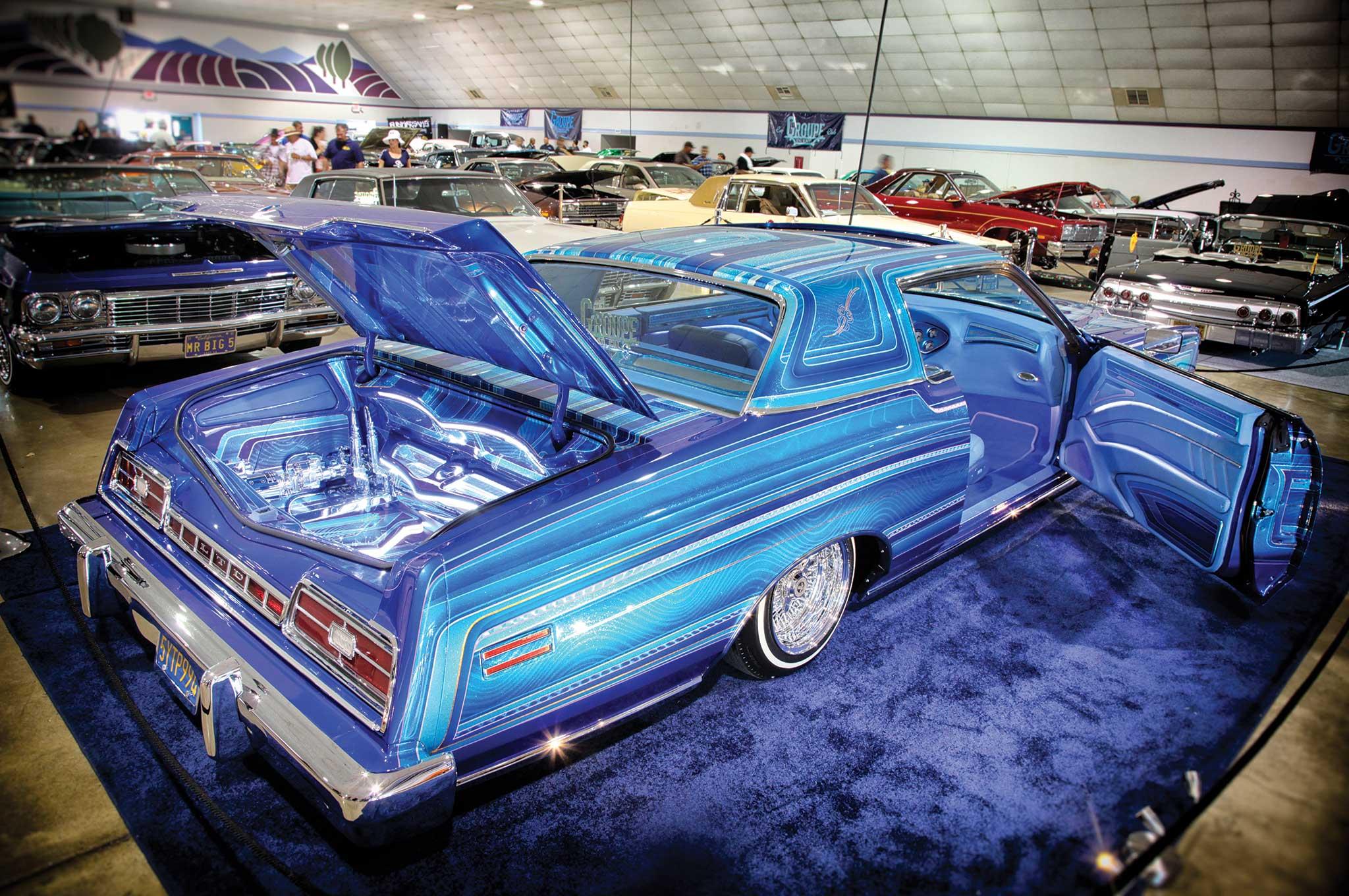 Carnales Unidos Bakersfield Super Show Lowrider - Bakersfield car show