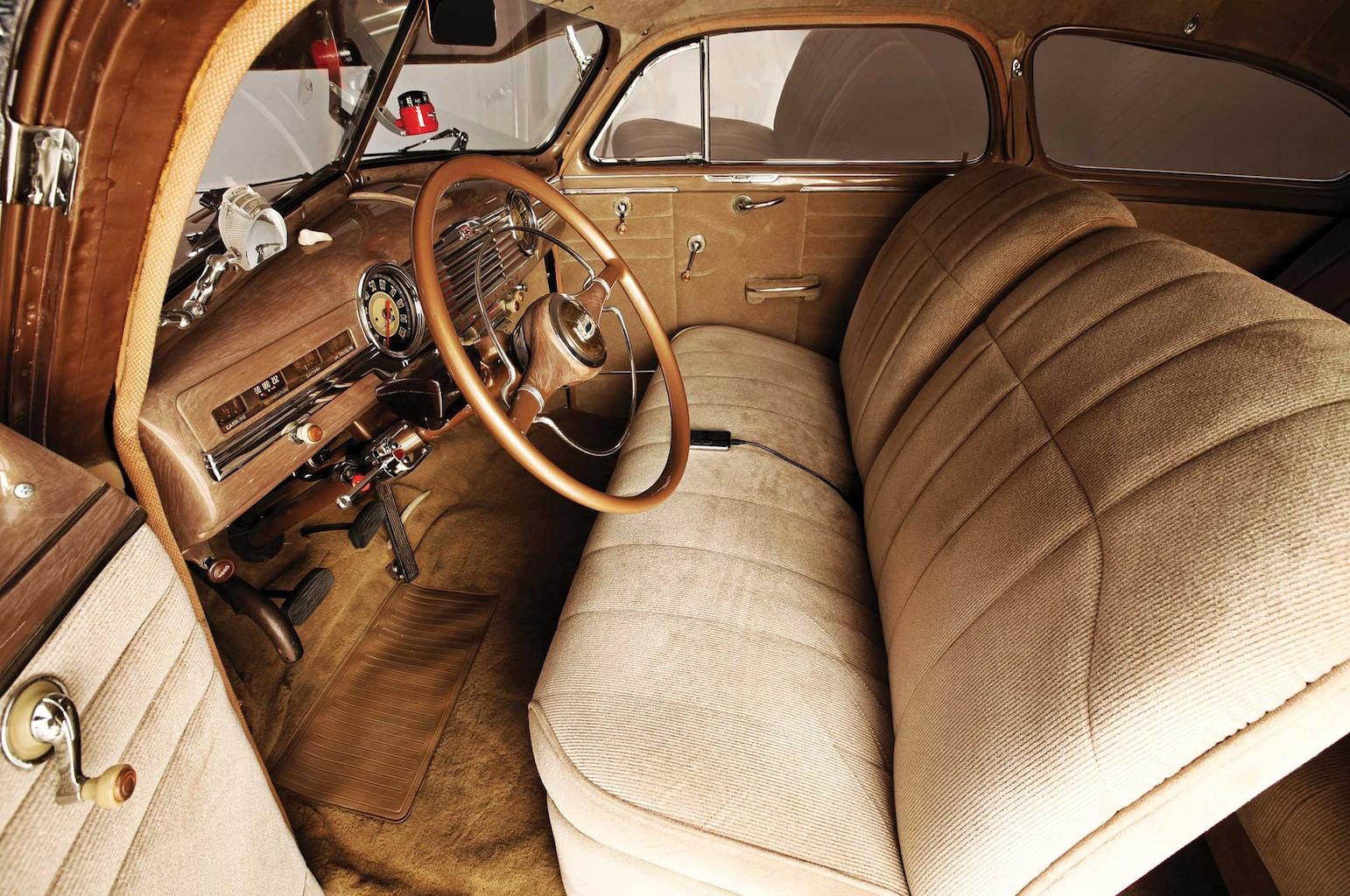 1947 chevy fleetline front seats 008