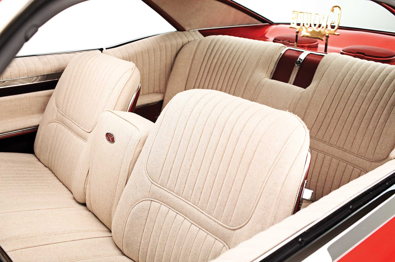 1967 buick riviera tan tweed interior 008