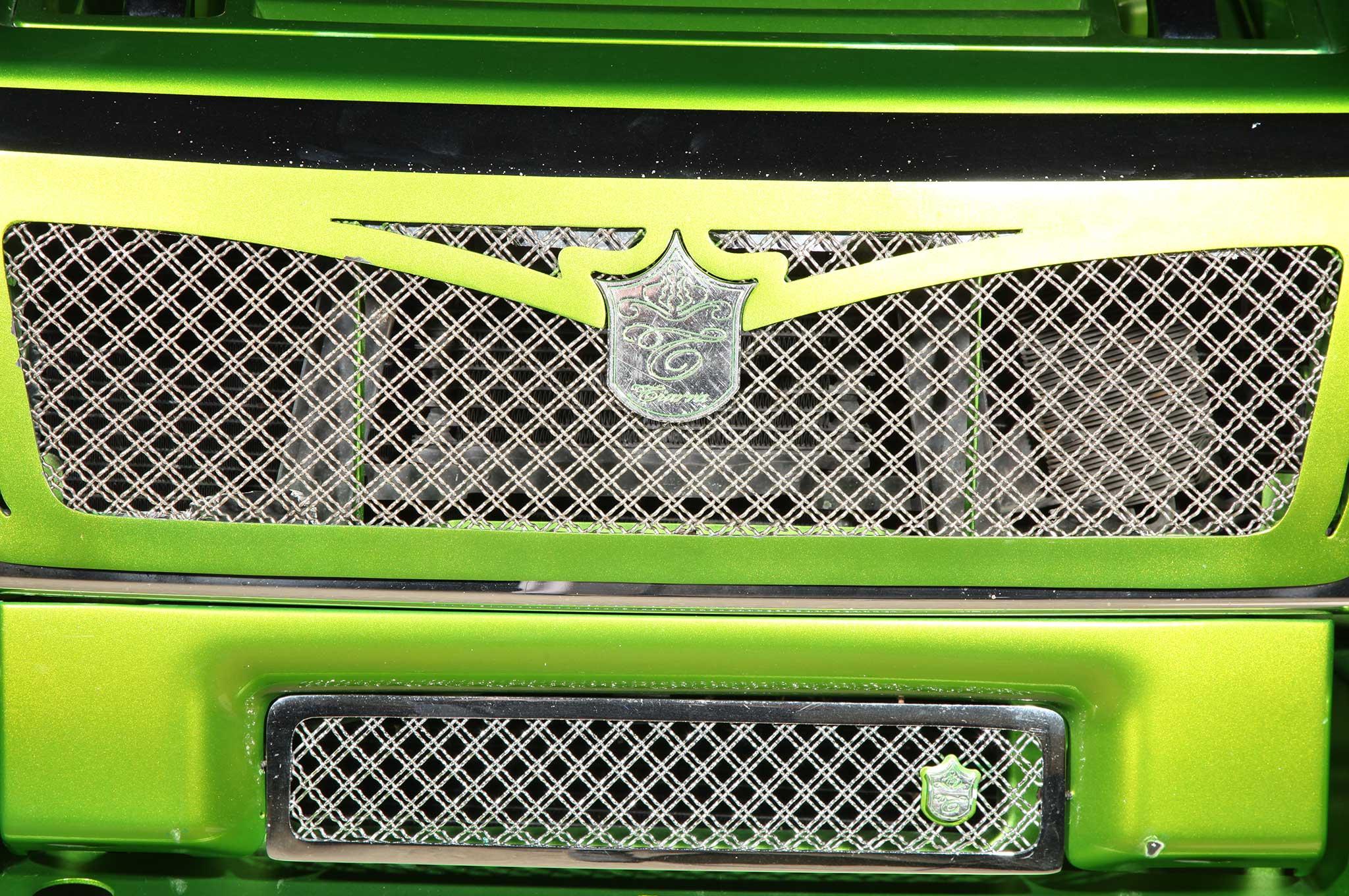 2005 hummer sut front grille 019