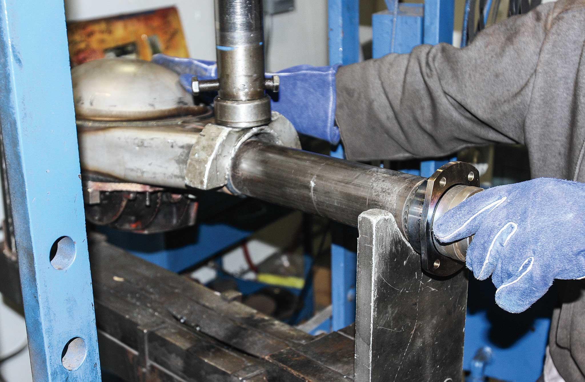 currie enterprises rear axles bearing alignment 008