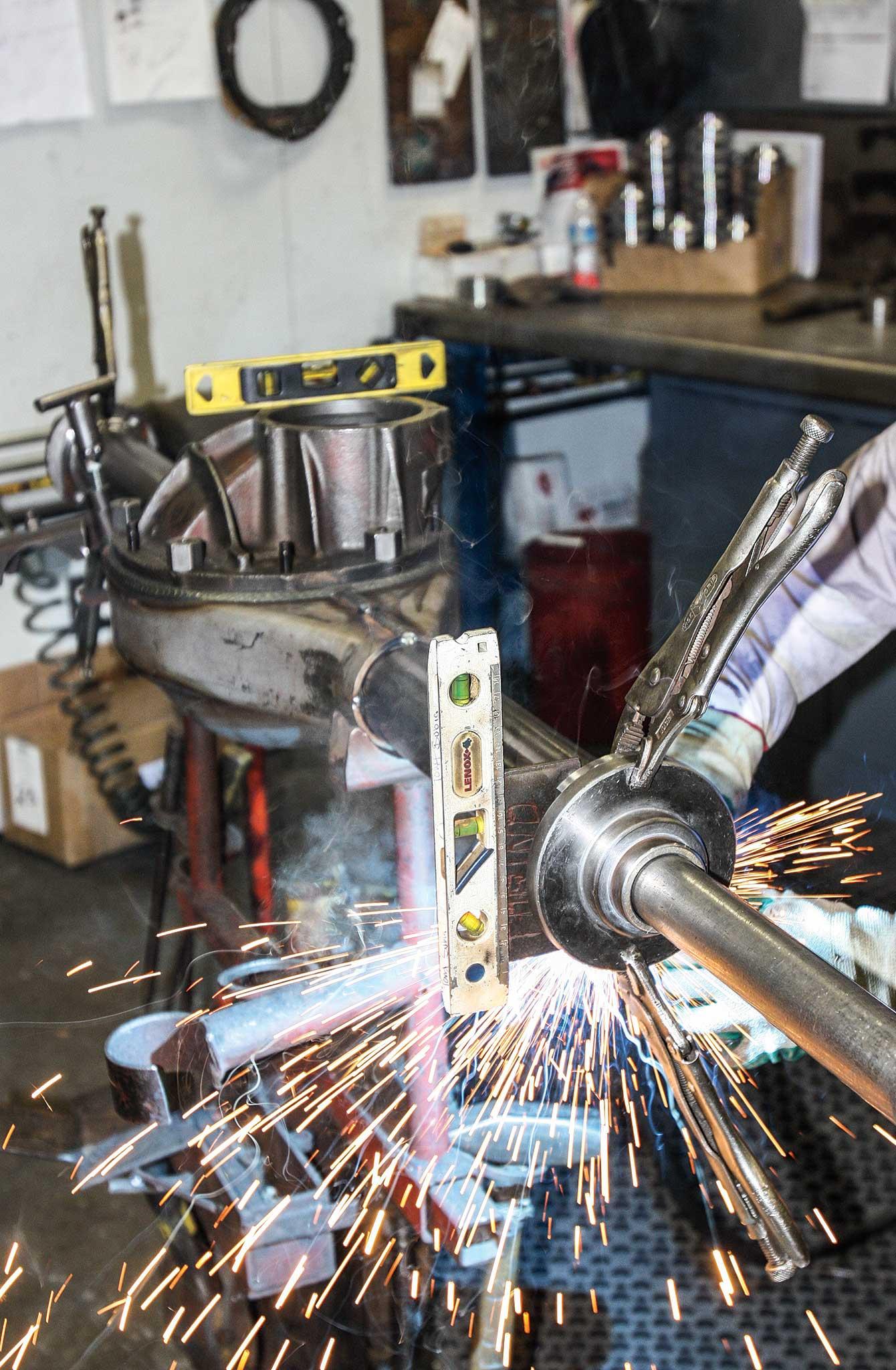 currie enterprises rear axles bearing housing assembly welding 006