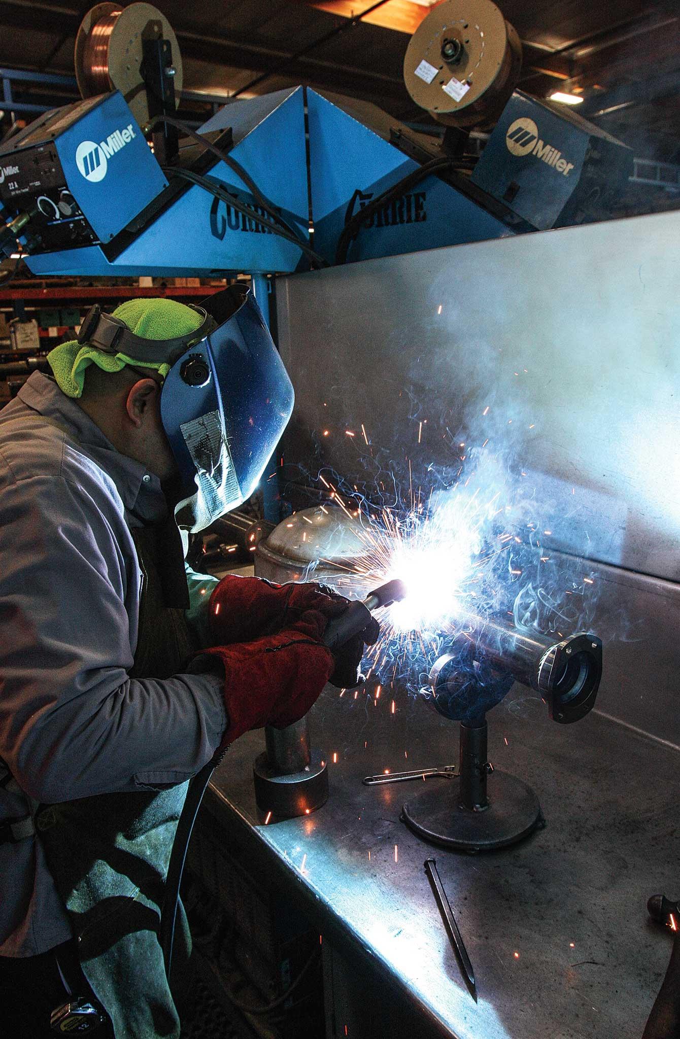 currie enterprises rear axles bearing housing assembly welding 007