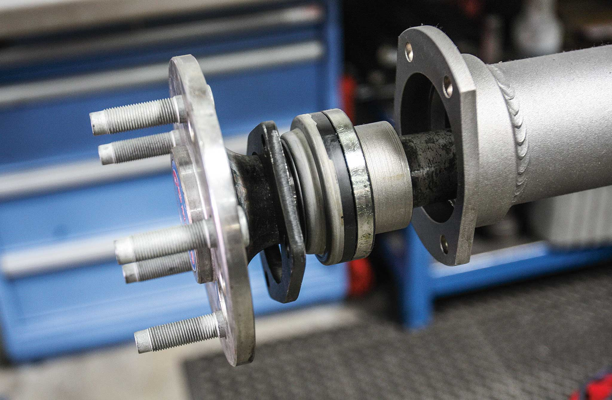 currie enterprises rear axles haft install 028