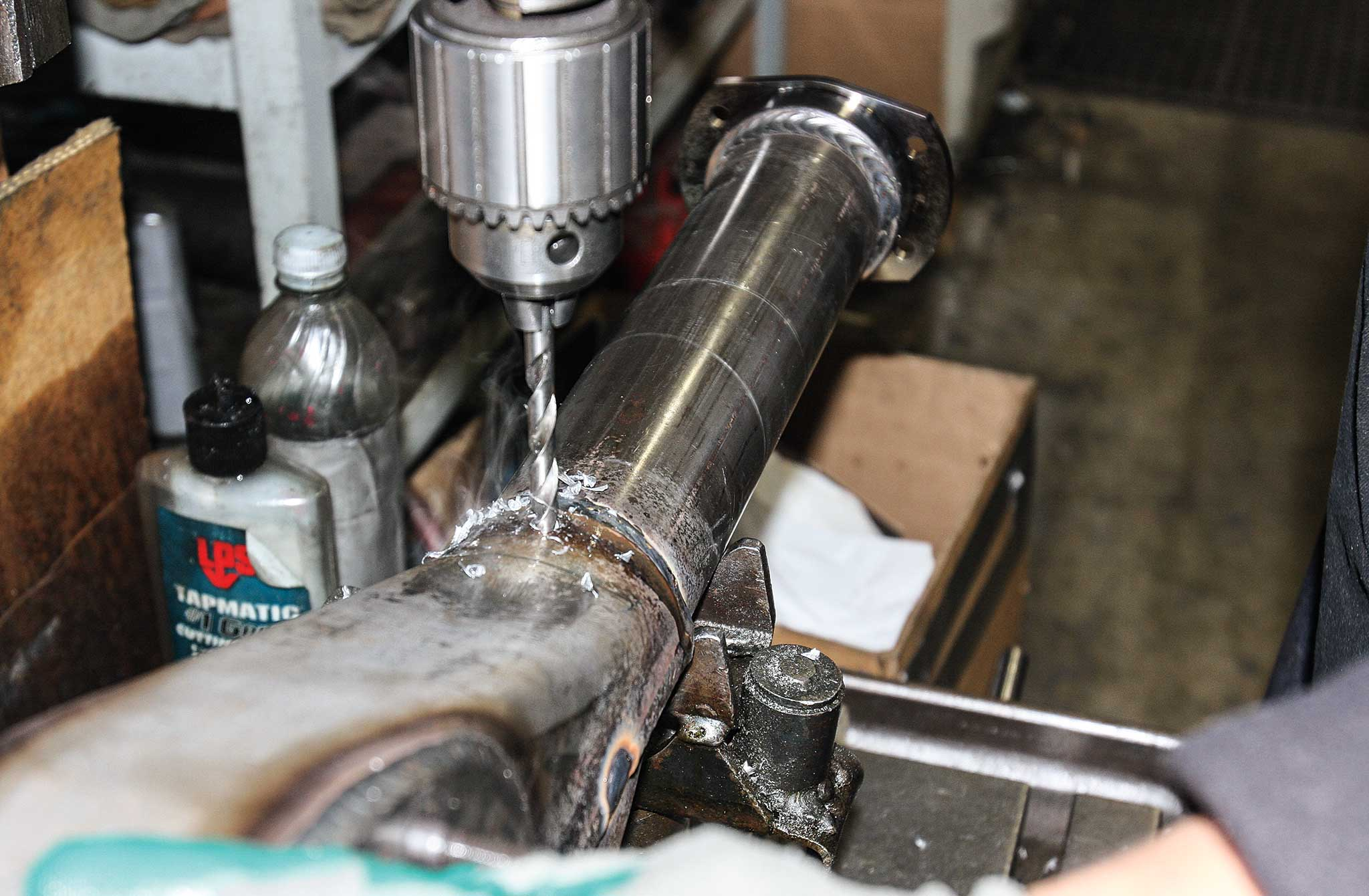 Currie Enterprises Rear Axles - The Perfect Rearend - Lowrider