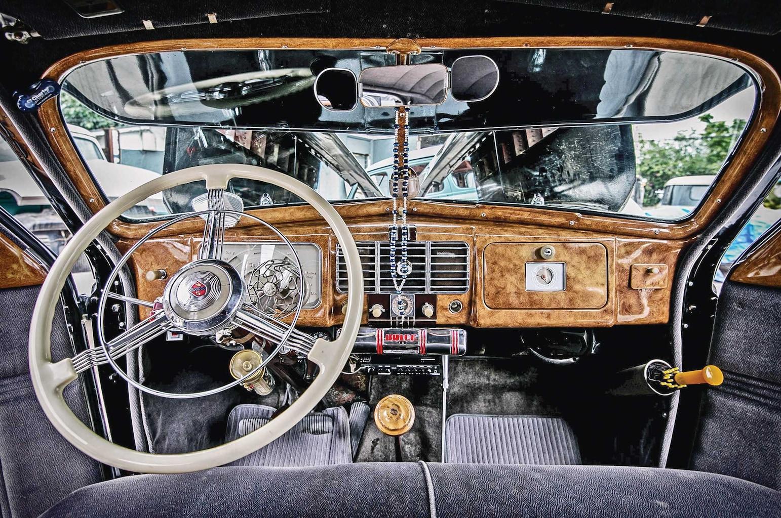 1937 buick special woodgrain dashboard 002