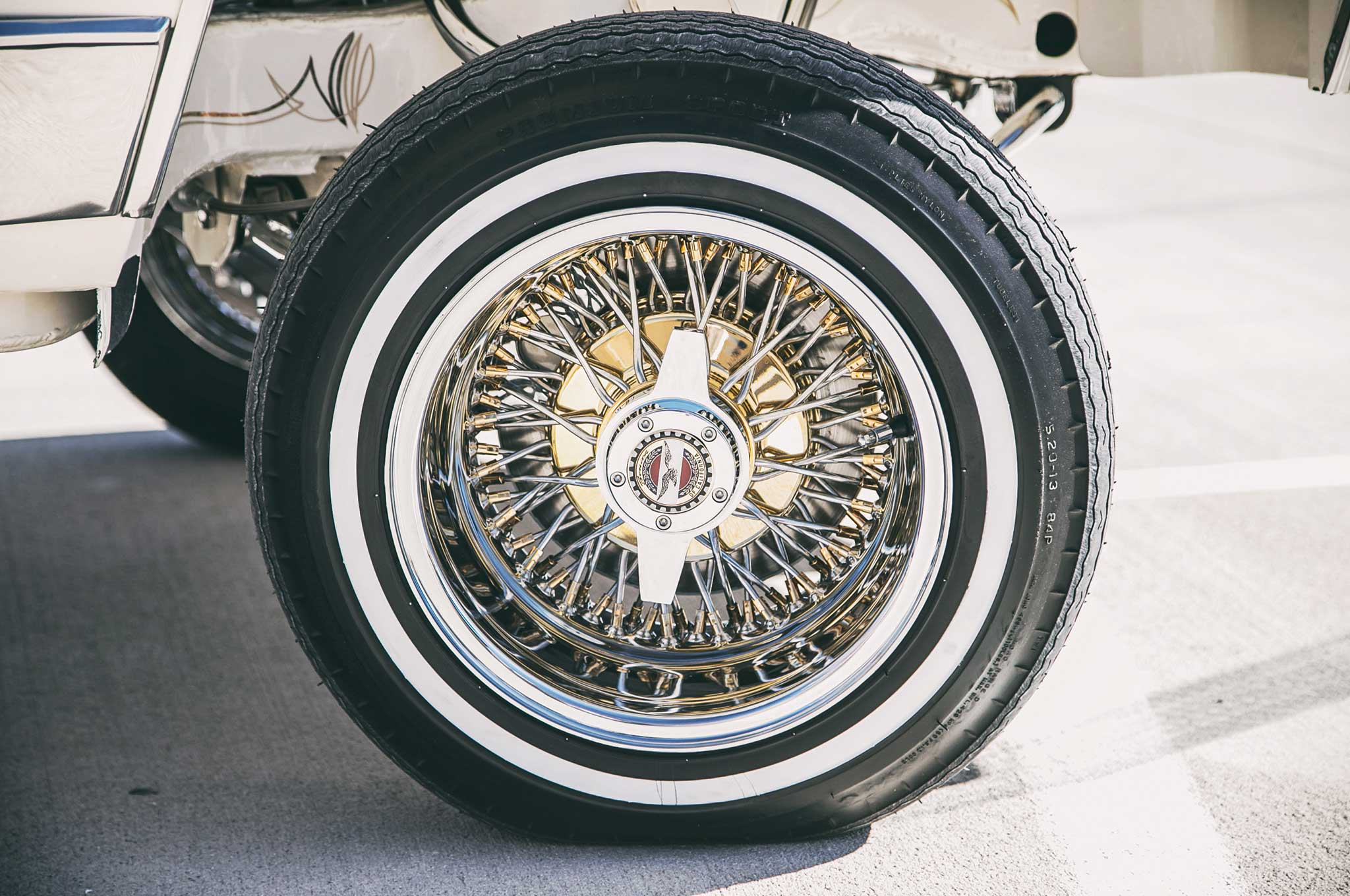 1985 oldsmobile cutlass supreme cross lace wire wheels 004 - Lowrider