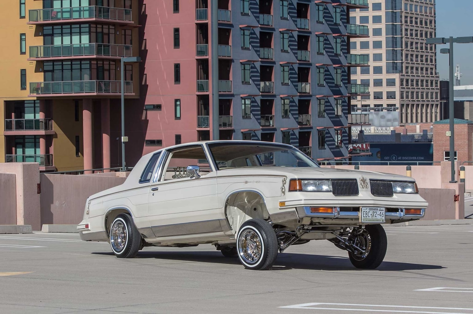 1985 oldsmobile cutlass supreme passenger side front view 007
