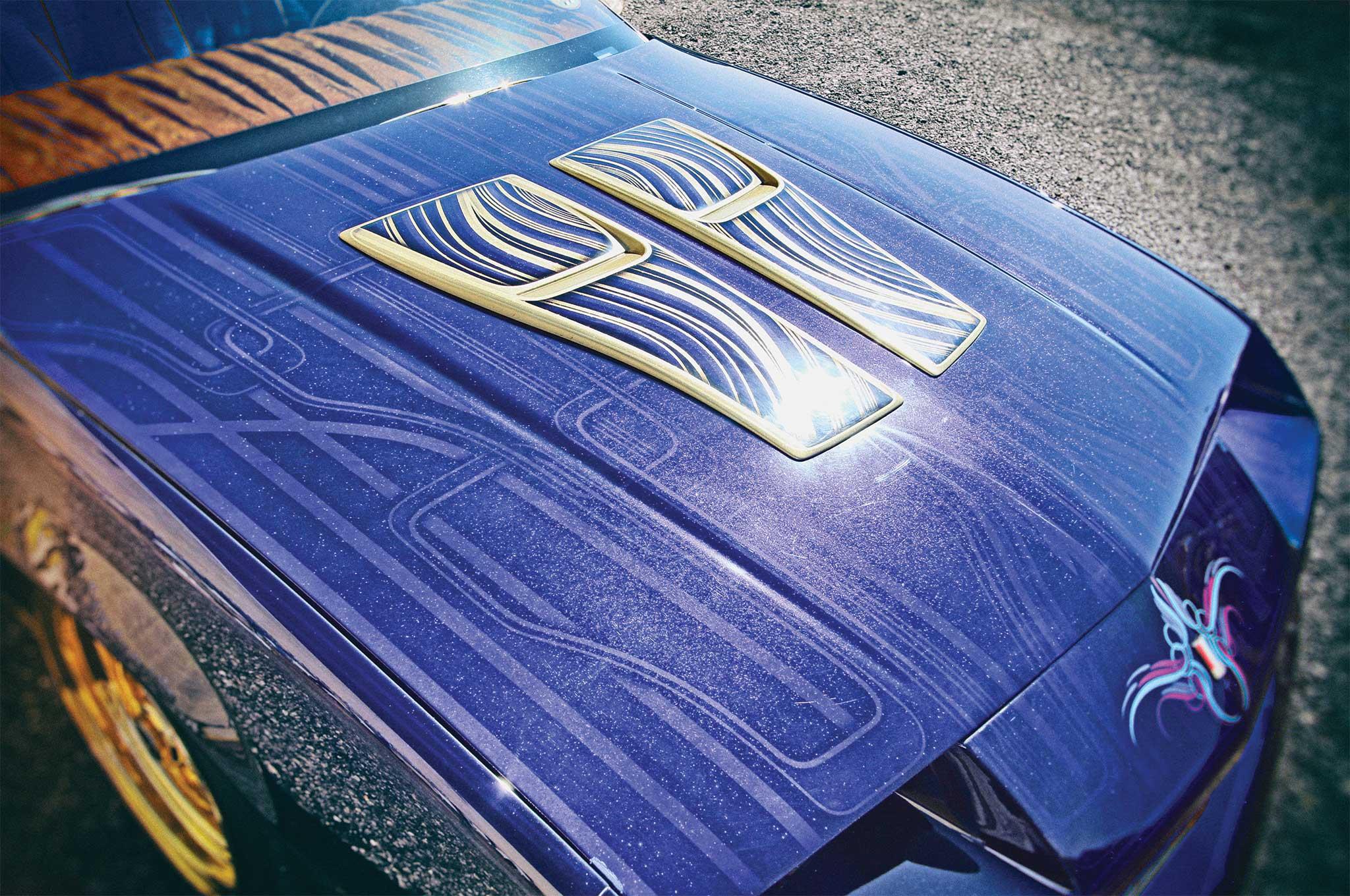1989 chevrolet camaro iroc z hood graphics 003