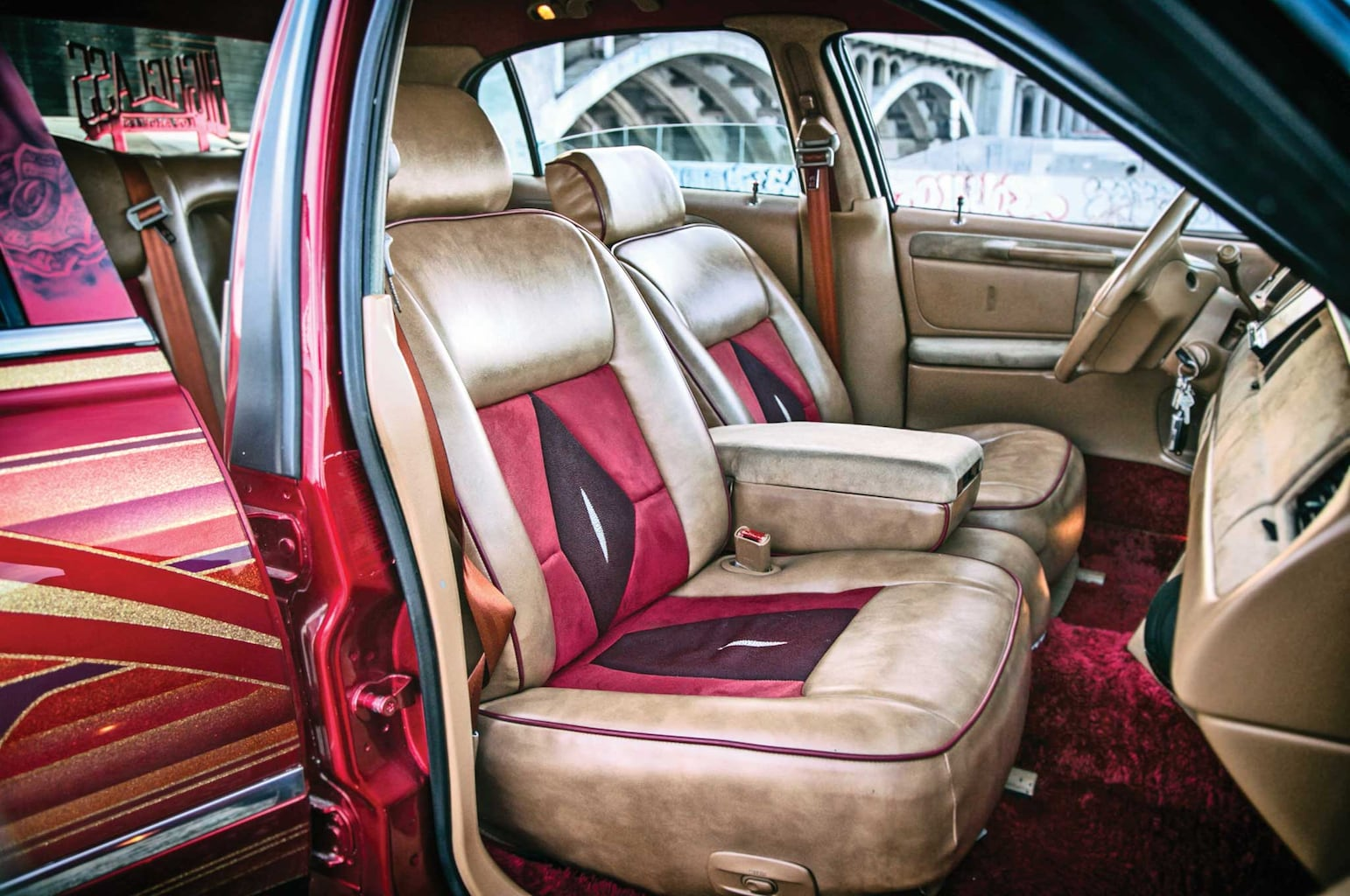 This Continental interior package comes with Manta Ray skin.